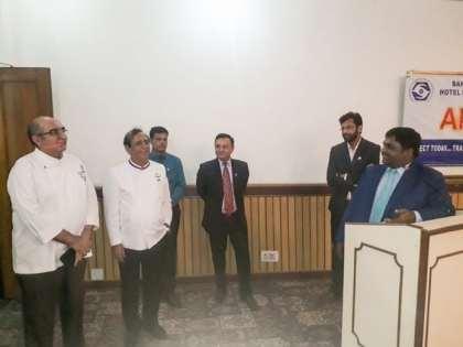 New Delhi hotel institute gathers alumni
