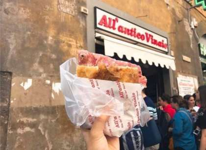 Overtourism: Fine of $500 for eating on busy streets in Florence, Italy