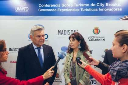 Creating Smart Cities for Innovative Tourism Experiences
