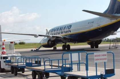 French officials seize Ryanair Boeing 737 jet at Bordeaux airport