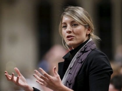 Travel industry experts provide Minister Joly with ideas on growing tourism