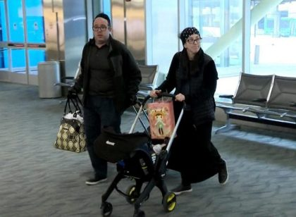 Airline says it's body odor, passengers say it's anti-Semitism