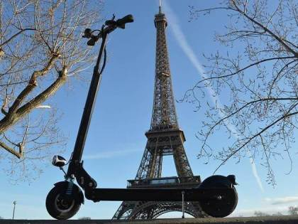 First electric scooter rider killed in Paris traffic accident