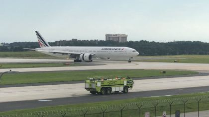 Air France Engine Failure forced Boeing 777 to make a hard emergency landing in Atlanta