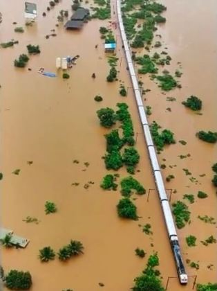 Hundreds of people stranded on flooded train rescued by Indian Army and Navy