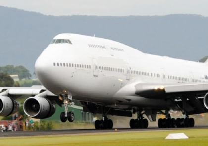 Why is Boeing 747-400 being registered under Barbados colors and