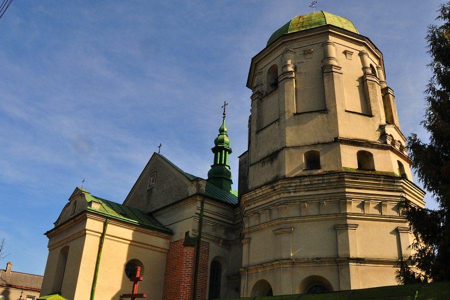 Олеський замок цікаві факти. Костел Пресвятої Трійці