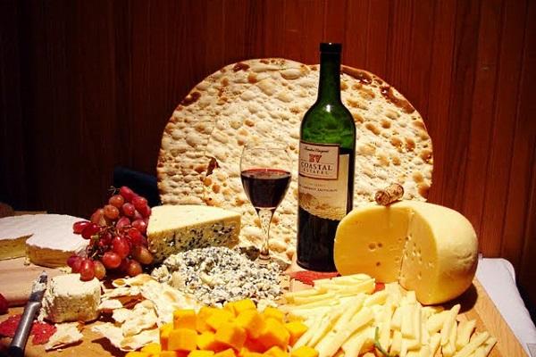 фестиваль вина Червене вино / сиро винний тур зі львова / Сыро винный тур по Закарпатью