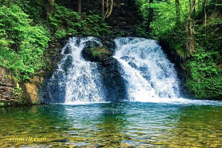 водопад Гуркало - один из самых живописных на Львовщине / Что посмотреть в Карпатах