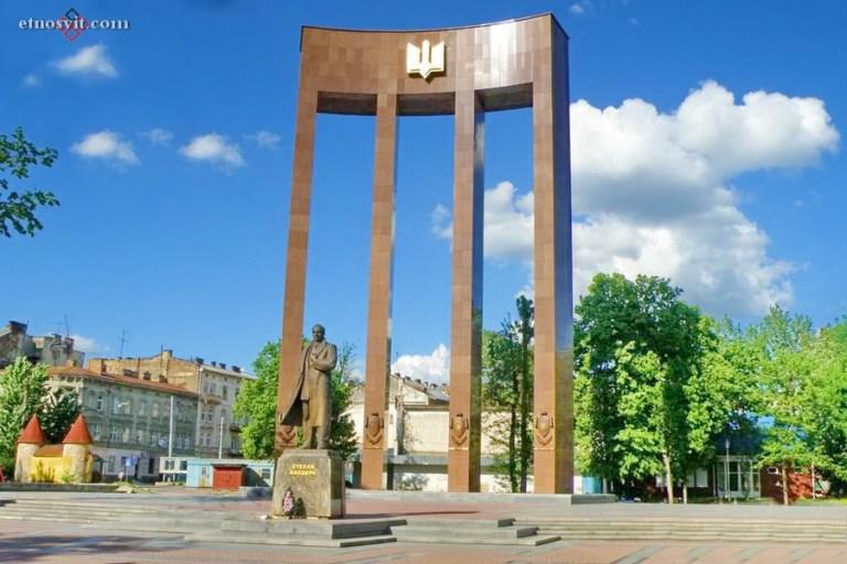 Пам'ятник Степанові Бандері (Львів)