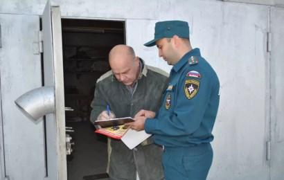 Спасатели предупредили нефтеюганских владельцев гаражей об опасности пожаров
