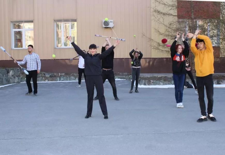 Полицейские Нефтеюганска присоединились к Всероссийской акции «Зарядка со стражем порядка».