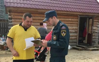 В Нефтеюганске сотрудники МЧС предупредили дачников о пожарах.
