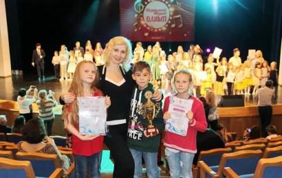 Коллективы нефтеюганского «КДК» приняли участие во всероссийских конкурсах и привезли высокие награды.