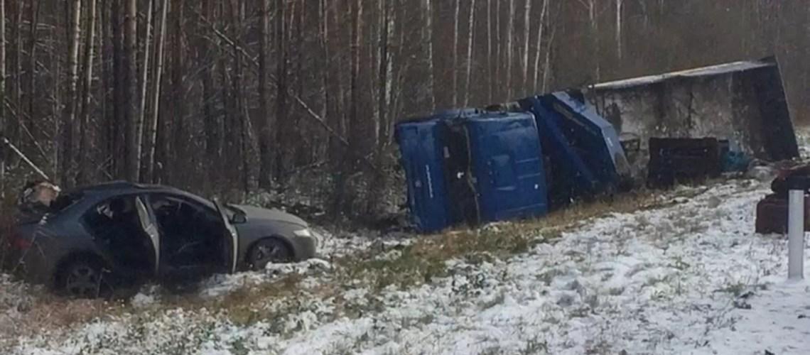 Двое погибло и один ранен в ДТП на трассе Нефтеюганск-Сургут