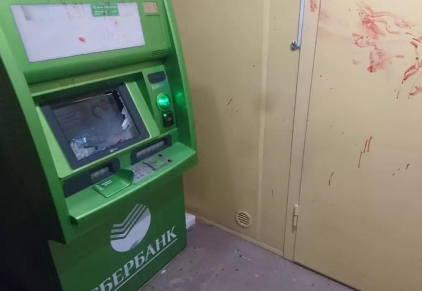 Росгвардейцы задержали нефтеюганца, разбившего банкомат Сбербанка