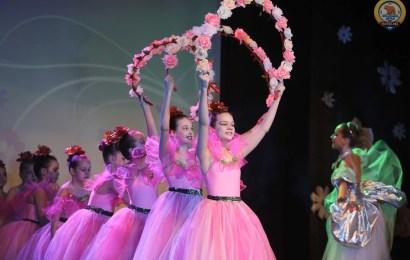 В Нефтеюганске состоялся праздничный концерт, посвященный Международному женскому дню.
