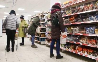 Путин потребовал за неделю принять меры для прекращения роста цен на продукты