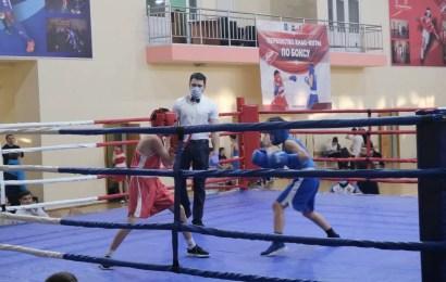 В спортивном комплексе «Олимп» прошло зональное первенство ХМАО-Югры по боксу, среди юношей 2007-2008 годов рождений.