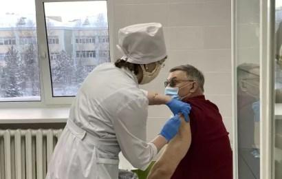 Нефтеюганцев приглашают на вакцинацию от коронавируса