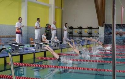 В ЦФКиС «Жемчужина Югры» прошли региональные соревнования по плаванию «Веселый дельфин» (центральная зона).