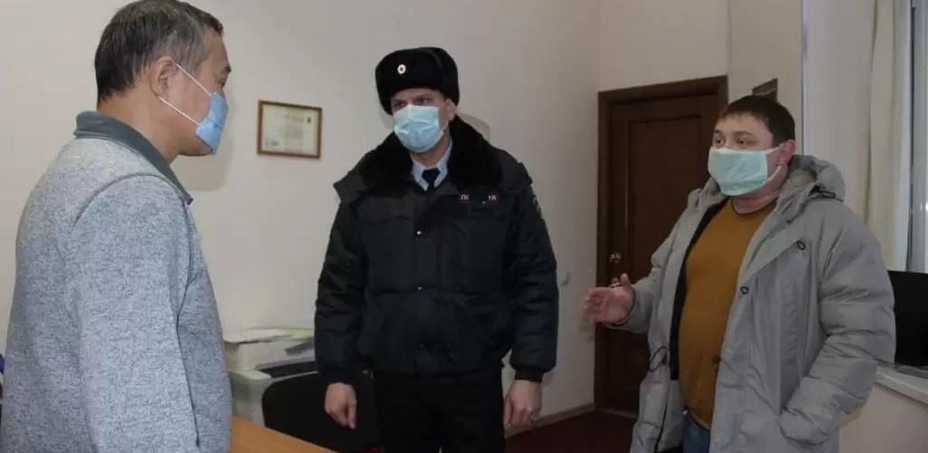 Полицейские Нефтеюганска встретились с представителями национальных общественных организаций и дисапор.