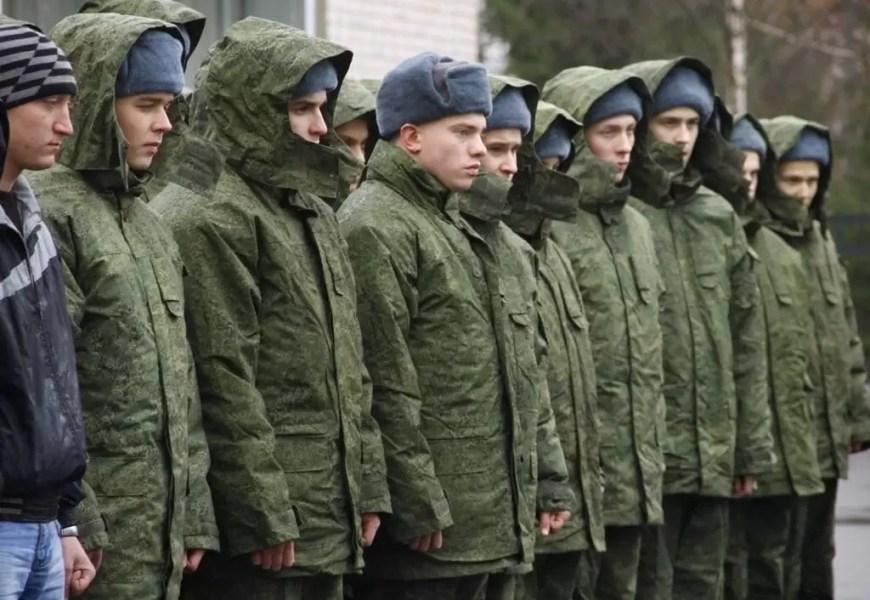 В Кремле ответили на вопрос о возможности отмены призыва