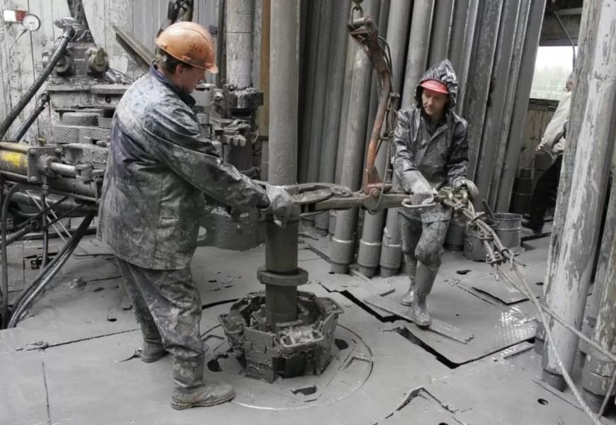 Нефтяники просят сократить 60-дневную вахту. Но власти ХМАО пойти на это пока не готовы
