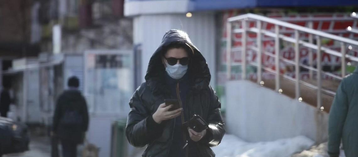 Минздрав заявил о возможности третьей волны пандемии COVID-19 в России