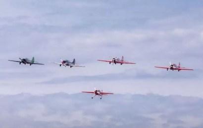 Сегодня пилоты группы «Барсы» подняли в небо самолёты с портретами участников Великой Отечественной войны