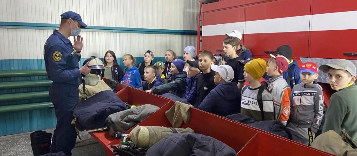 Экскурсия «Юнармецев» в пожарную часть.