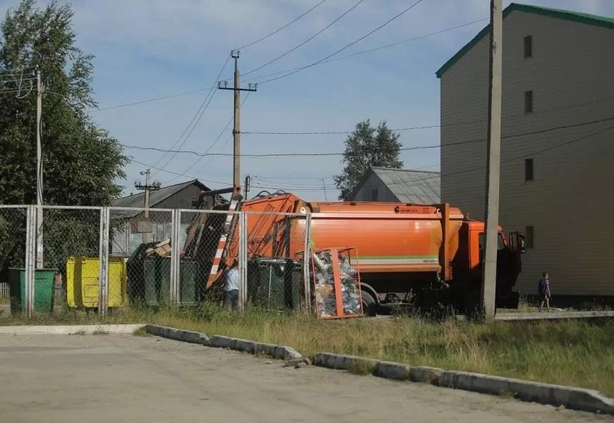 Югра попала в число лидеров по реализации мусорной реформы.