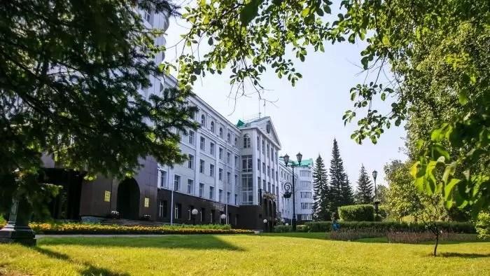 В 2020 году расходы на чиновников в Югре достигли почти семи миллиардов рублей