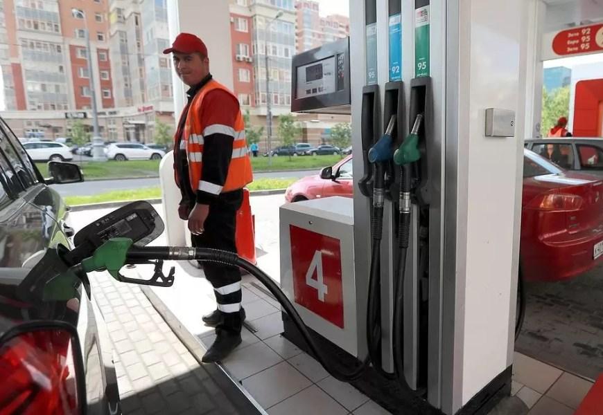 """В """"Лукойле"""" оценили вероятность снижения цен на бензин в России до 20 рублей за литр"""