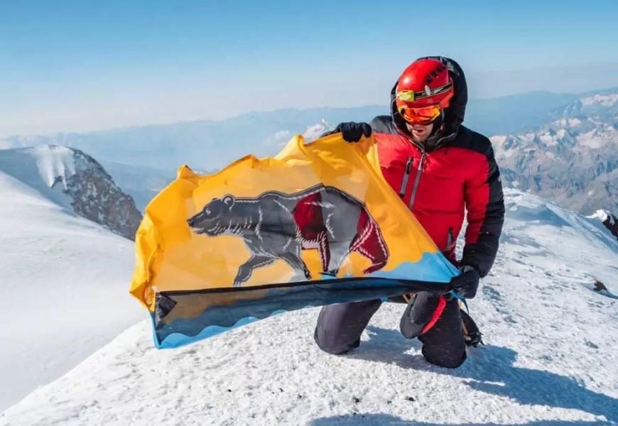 Наш подписчик Дмитрий Денежных совершил восхождение на высшую точку Европы – гору Эльбрус (высота 5 642 м).