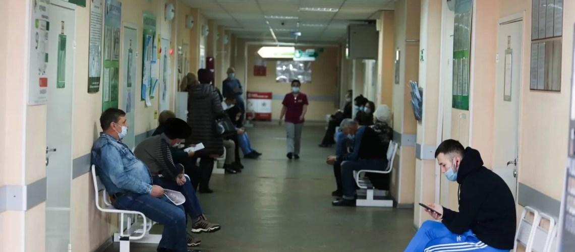 Взрослые югорчане стали обращаться к врачам из-за ОРВИ в три раза чаще