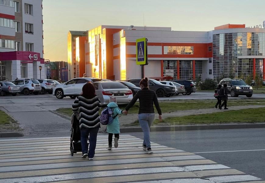 Пенсии, зарплаты бюджетников и техосмотр: что изменится в России в октябре