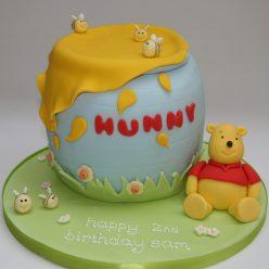 Pooh Bear and Hunny Cake