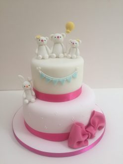 Bears and bunnies cake