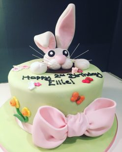 Rabbit and Bow Cake