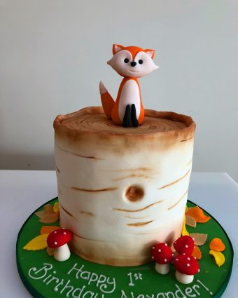 Fox and tree cake