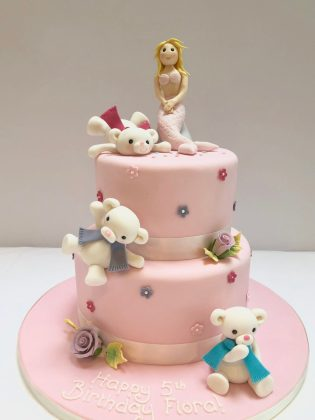 Tumbling Polar Bears Cake