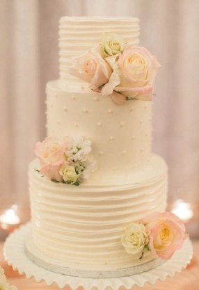 Buttercream wedding cake with roses