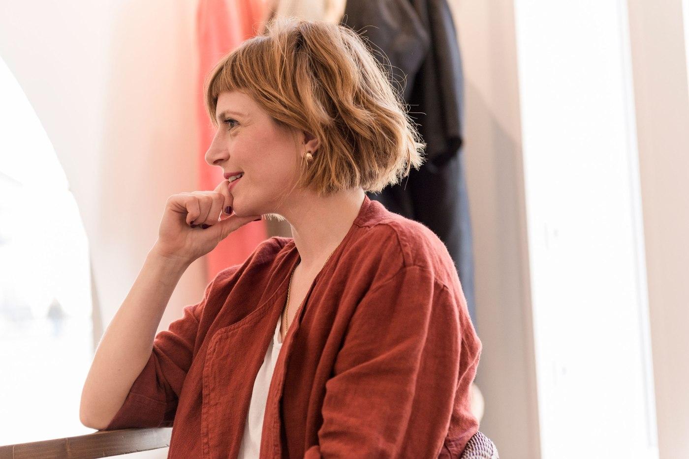 anne-lise-le-dot-portrait-salon-coiffure-artisan-coloriste-nantes-portrait-photographie-remy-lidereau-solenn-cosotti-etonnantes