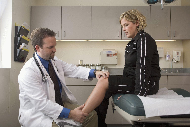 Скрипят и болят колени что делать. Что делать если скрипят колени: причины треска и скрипа в суставах. Как предупредить возникновение хруст в коленях