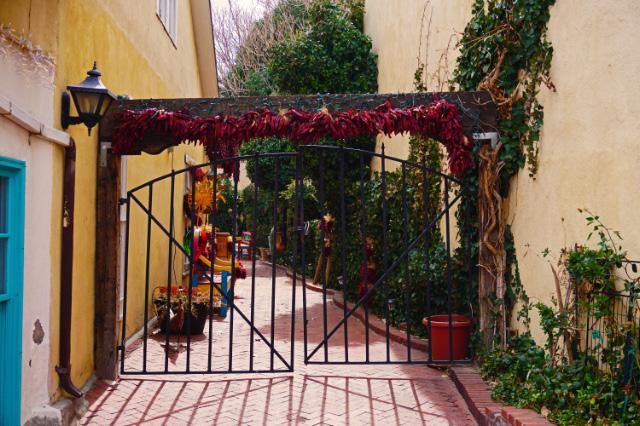 Un portail dans le centre historique d'Albuquerque