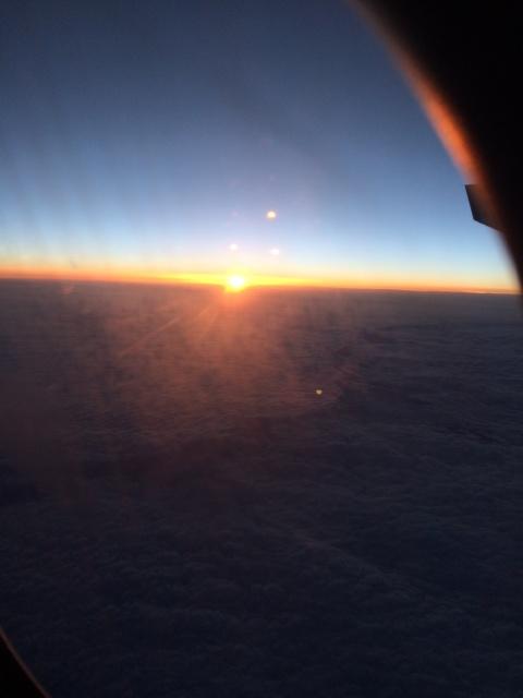 Vue de la mer de nuages depuis l'avion