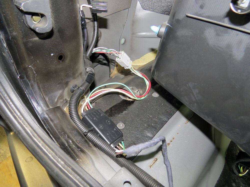 Plug-N-Tow (R) Vehicle Wiring Harness With 4 Pole Flat