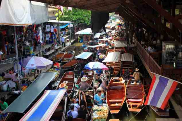 Busy Floating Market, Bangkok, Damnoen Saduak