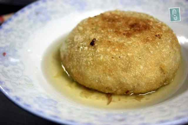 Fried dumplings with cabbage or sea-weed